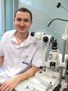Сыртланов Рустам Рашидович, зав.отделением Межрайонного центра глазной хирургии