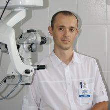 Добронравов Олег Игоревич, офтальмохирург